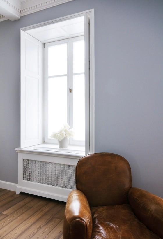okno w apartamencie
